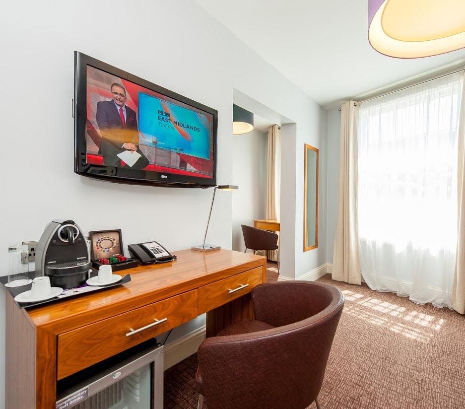 Mercure Nottingham City Centre Bedroom Desk